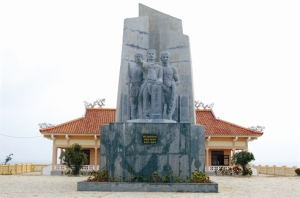 Mémorial des soldats de Hoàng Sa (Paracels) où sont exposés des objets de militaires qui se sont sacrifiés pour la souveraineté du pays.