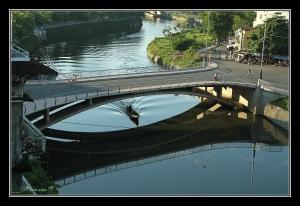 Le pont Nam Giao