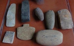 haches-de-pierre-et-de-bronze