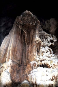 nouvelle-grotte-a-ha-giang