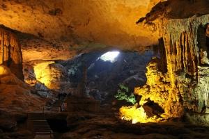 grotte-de-sung-sot