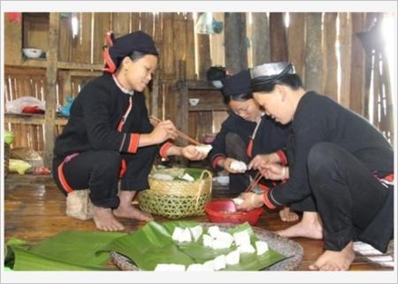 l'ethnie-san-chi2