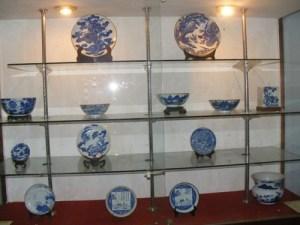 La-collection-d'antiquites-de-Vuong-Hong-Sen