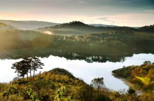 Le lac Tuyên Lâm.