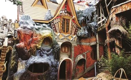 crazy-house1