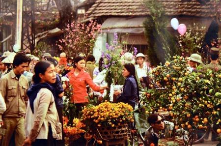 marches-aux-fleurs-de-hanoi