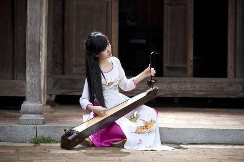 Le dàn bâu est l'instrument qui symbolise le mieux l'âme du Vietnam.