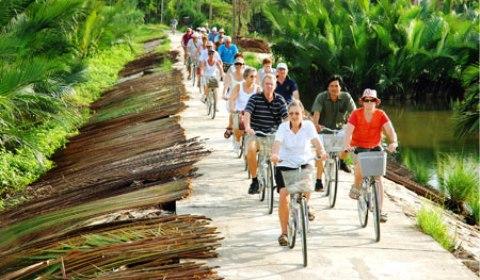 Le Vietnam a accueilli en dix mois 8,5 millions de visiteurs étrangers, soit une hausse de plus de 25% en glissement annuel.