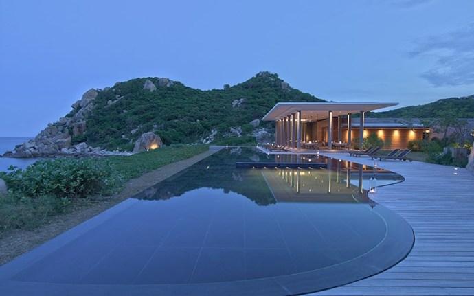 baie vinh hy amanoi resort