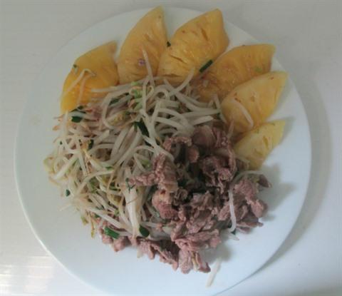 germe de haricot saute ananas et boeuf