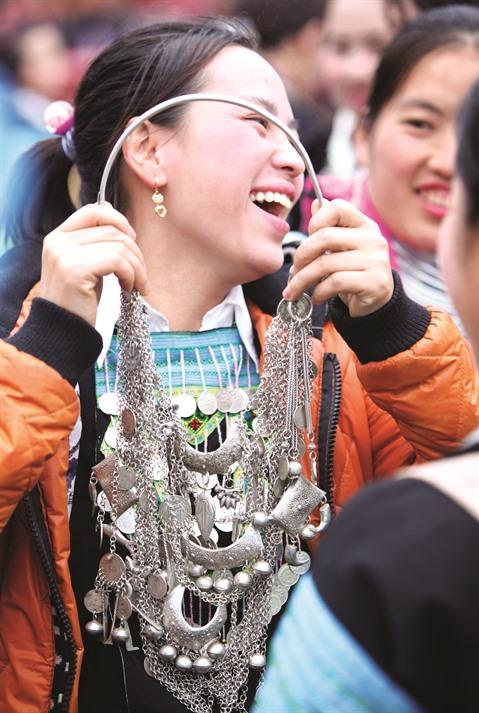 costumes de hmong3